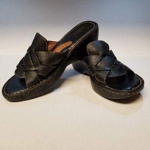 BORN Black wedge/clog Leather Sandals Sz10